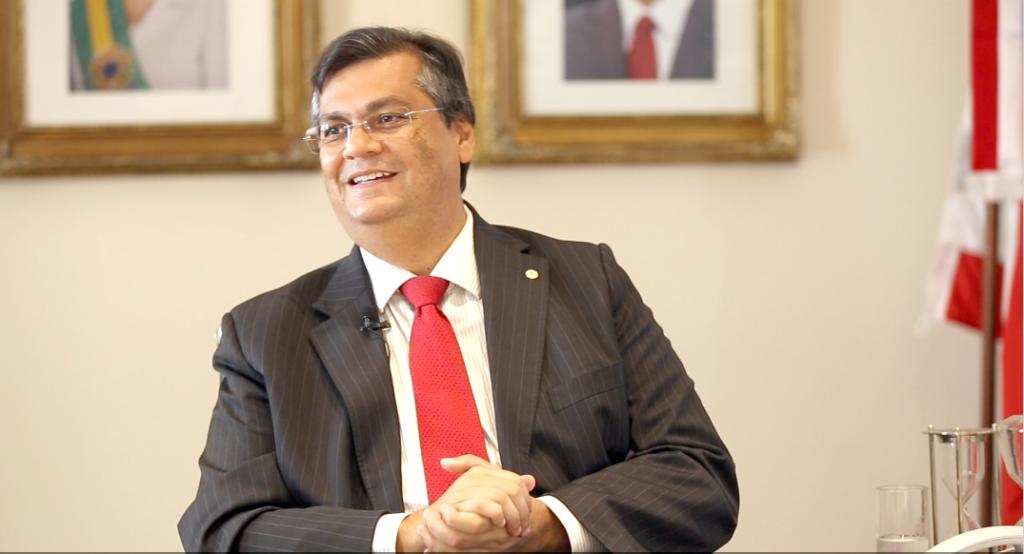 Flávio Dino rebate Eduardo Bolsonaro e defende a democracia